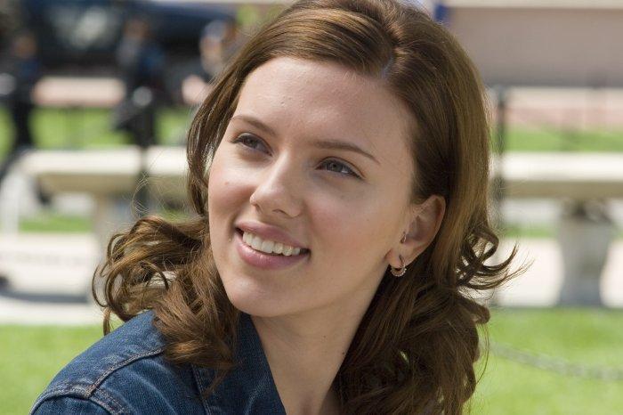 Annie Braddock (Scarlett Johansson) will eigentlich Anthropologin werden