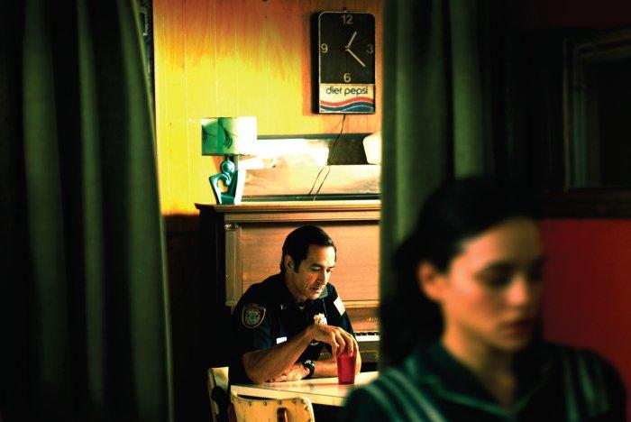 Gibt sich die Kante: Cop Arnie (David Strathairn)