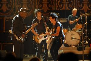 Gaststar Buddy Guy mit Ronnie Wood und Keith Richards