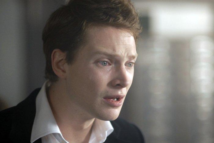 Edward Vanderman (Simon Woods) ist entsetzt