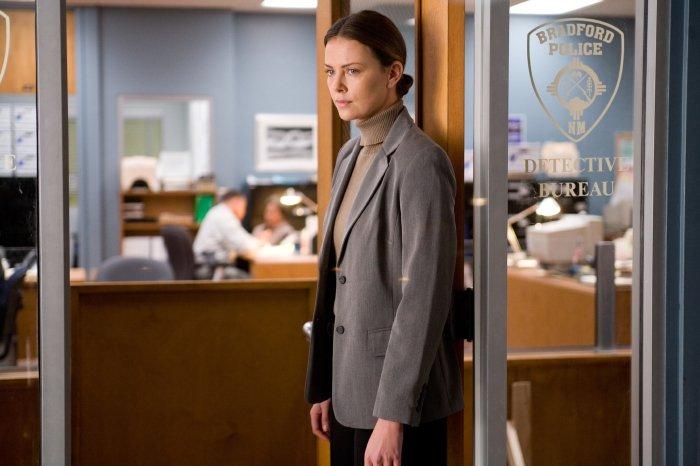 Detective Emily Sanders (Charlize Theron) ist auf Hanks Seite