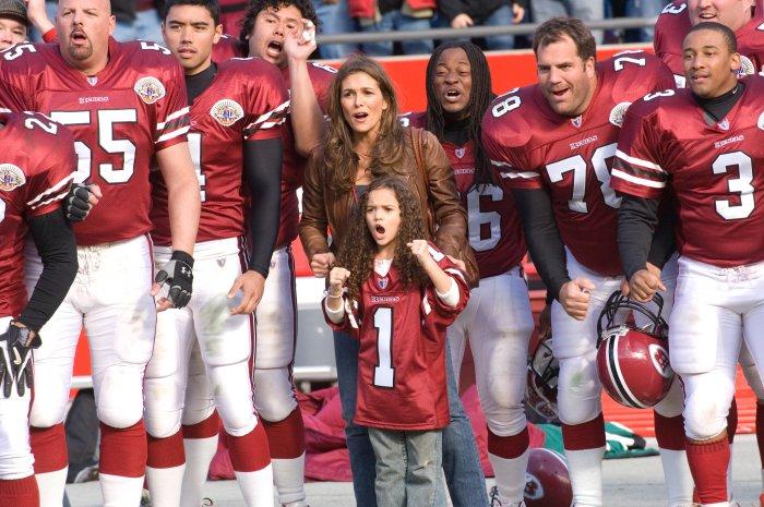 Payton und Mutter Karen (Paige Turco) sind Fans geworden