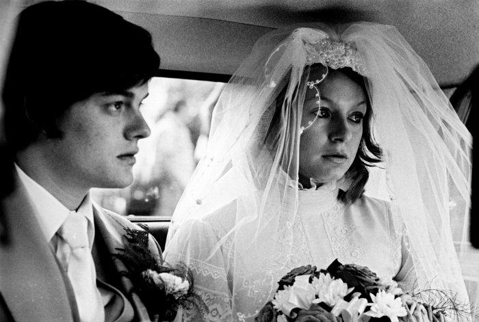 Ian mit seiner Braut Debbie Woodruff (Samantha Morton)