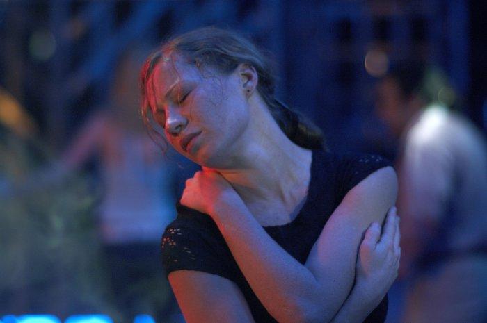 Brigitte (Birgit Minichmayr) trauert um Michael