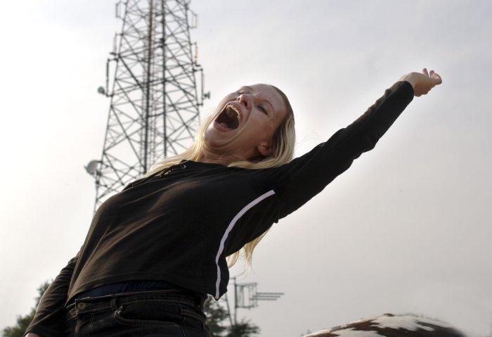Nicole (Gabriela Hegedüs) genießt ihre kurze Freiheit