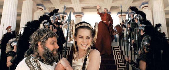 König Aderlas (Bouli Lanners) mit der holden Prinzessin Irina (Vanessa Hessler)