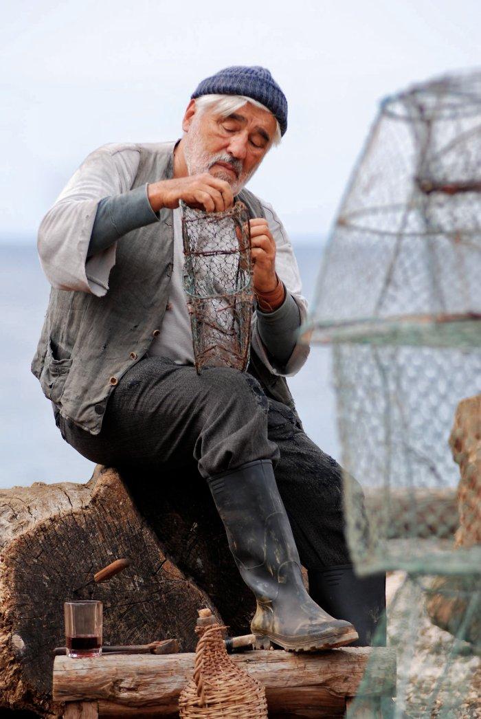 Fischt frischer Fische: Mario Adorf