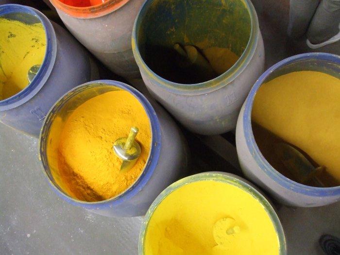 Den Stoff gibt es in vielen Farben