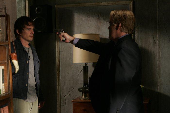 Hank wird von Andy bedroht