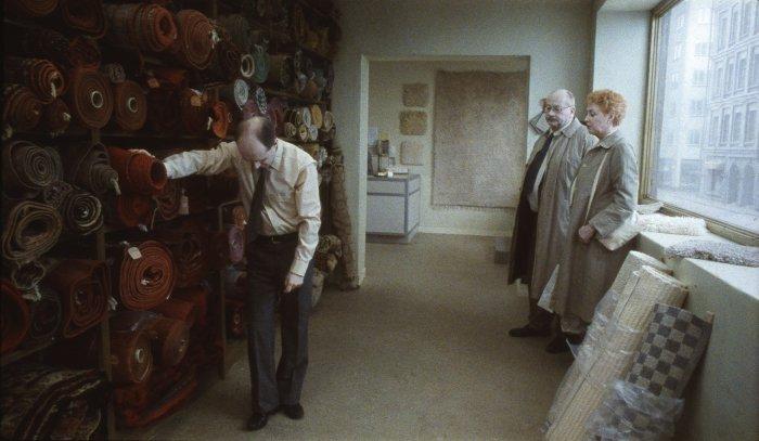 Der Teppichhändler (Pär Fredriksson) hat Stress mit seiner Frau