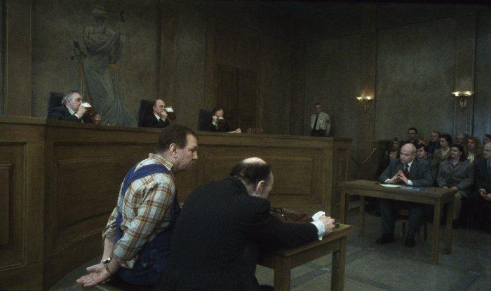 Bierseelige Stimmung im Gerichtssaal