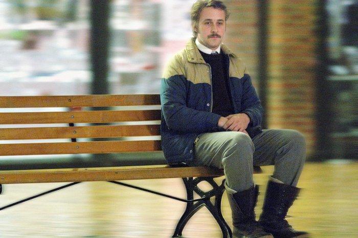 Lars Lindstrom (Ryan Gosling) ist Einzelgänger