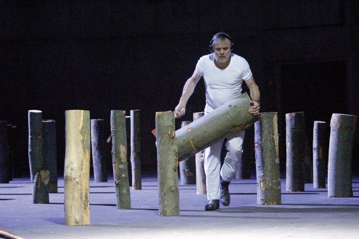 Als Holzfäller auf der Schaubühne Berlin