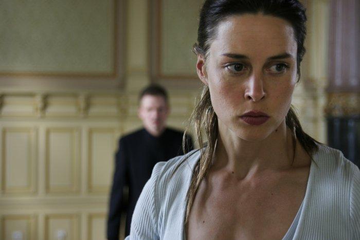 Nina Seiler (Susanne Wolff) steht zwischen den Fronten