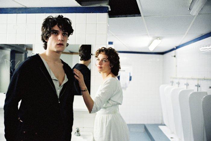 Eric trifft auf Natalaja Petrowna (Valeria Golino)