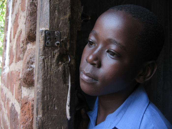 Afrikas Kinder tragen die Hauptlast der Seuche