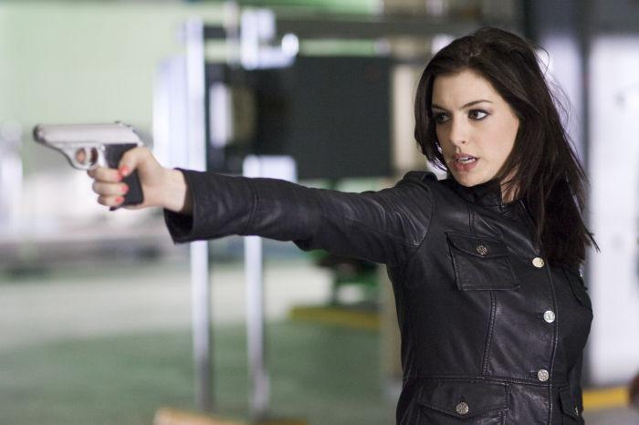 Anne Hathaway ist plötzlich Agentin