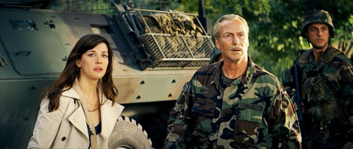 Betty mit Papa General Ross (William Hurt)