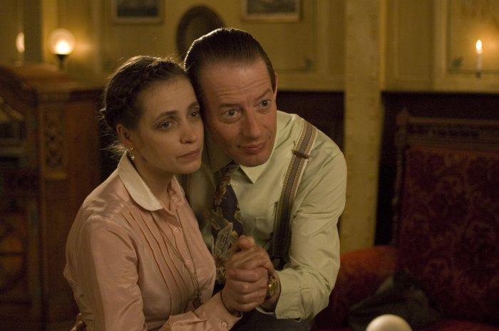 Anna (Anna Thalbach) und Henry (Luc Feit)