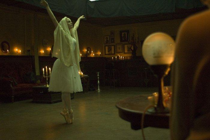 Auf dem Tanzparkett im Kerzenlicht
