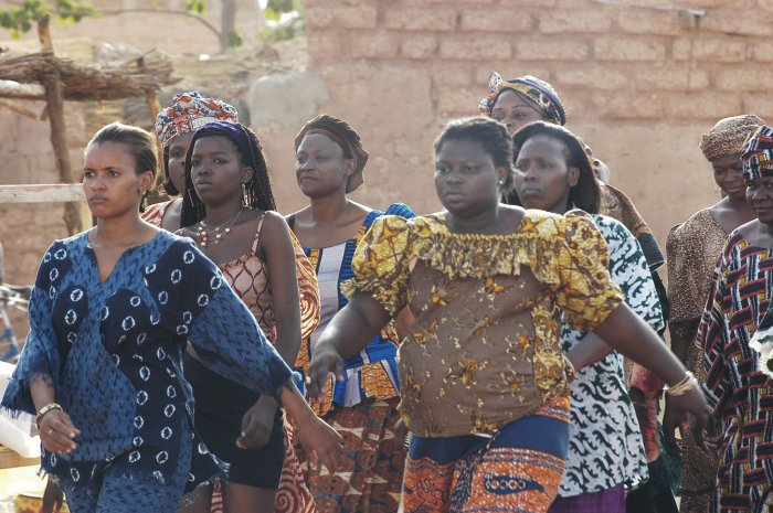 Die Frauen des Viertels solidarisieren sich
