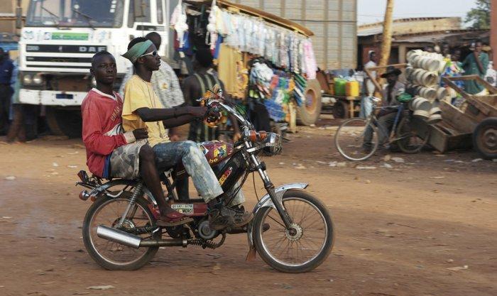 Geschäftiges Treiben in Ouagadougou