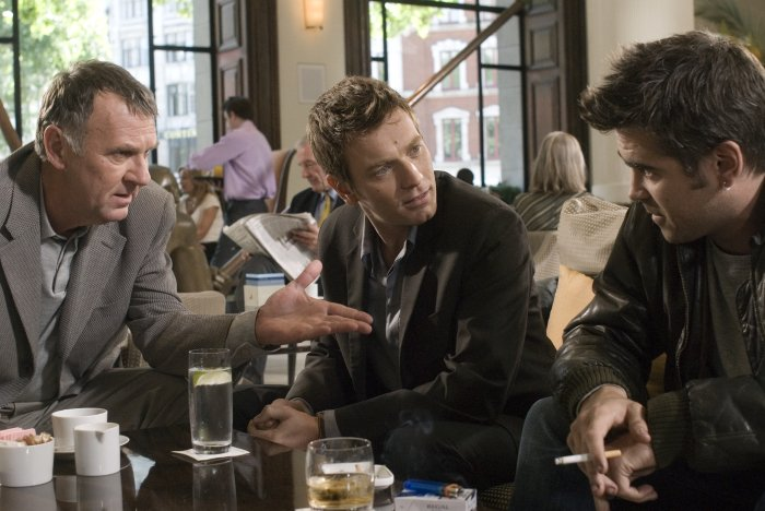 Onkel Howard (Tom Wilkinson) bietet einen Deal an