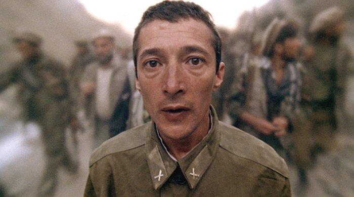 Sacha Bourdo spielt den Soldaten Nikolai