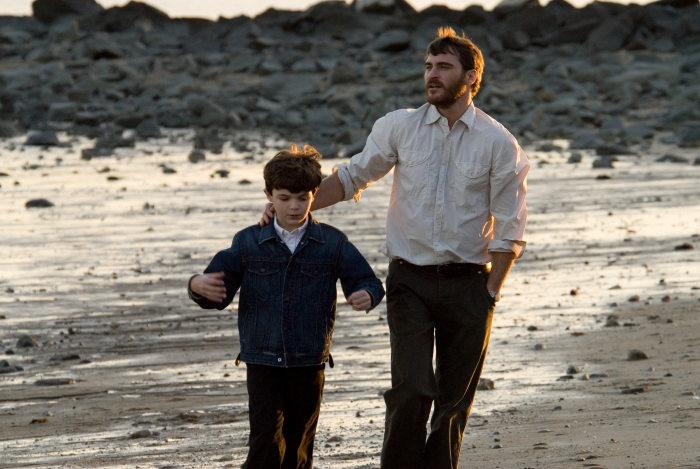 Sean Curley (Josh Learner), Joaquin Phoenix