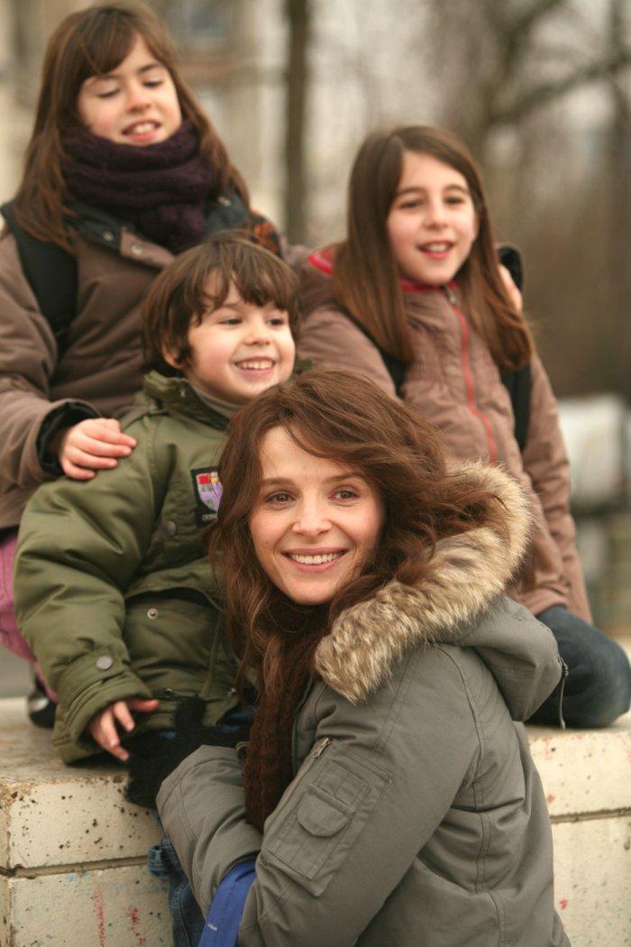 Elise mit ihren drei Kindern