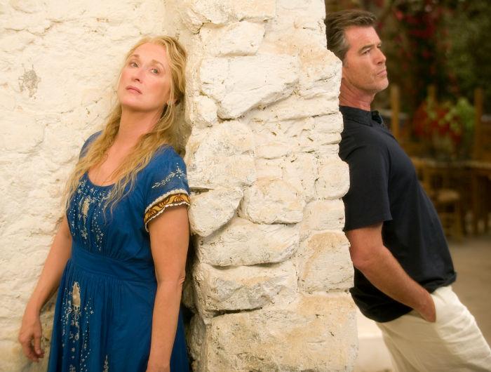 Meryl Streep und Pierce Brosnan in eher ungewohnten Rollen