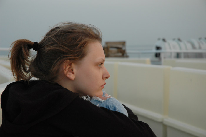 Tochter Sonja (Vanessa Krüger) träumt von der Liebe