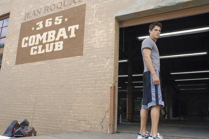 Jake Tyler (Sean Faris) sucht fachkundige Beratung