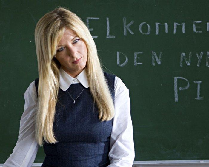 Paprika Steen als Ulla Harms