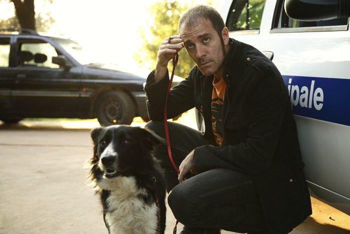 Stefano Nardini (Valerio Mastandrea) ist auf den Hund gekommen