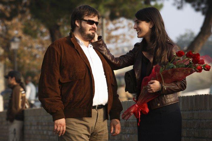 Alberto (Giuseppe Battiston) mit Nadine (Caterina Murino)