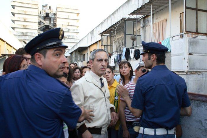 Don Ciro (Gianfelice Imparato) in Bedrängnis