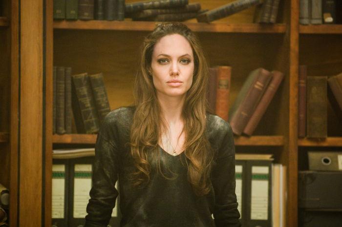 Angelina Jolie als Fox