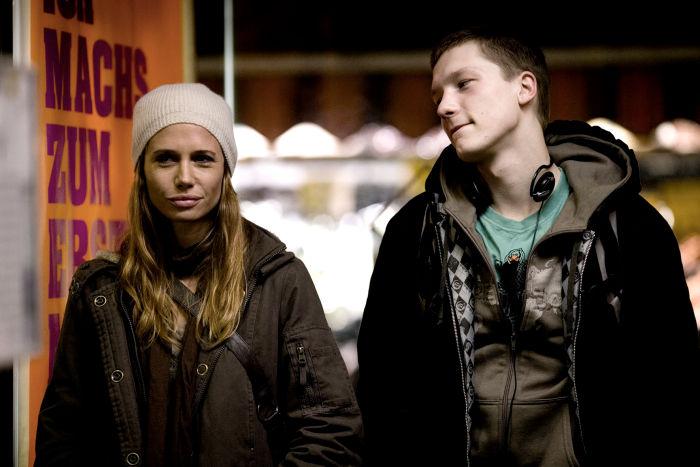 Simone (Nadeshda Brennicke) und Matte (Jacob Matschenz)