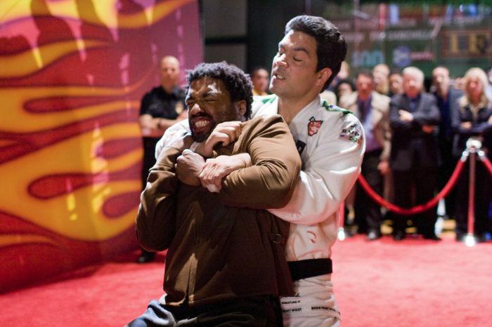 Mike Terry (Chiwetel Ejiofor) hat seine Gegner nicht immer im Griff