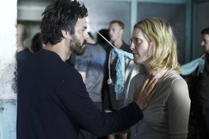 Arzt (Mark Ruffalo) mit Frau (Julianne Moore)