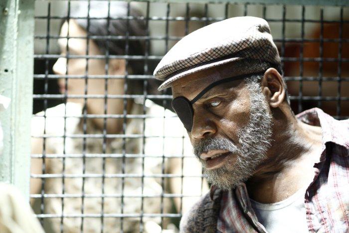 Der Mann mit der Augenklappe (Danny Glover)