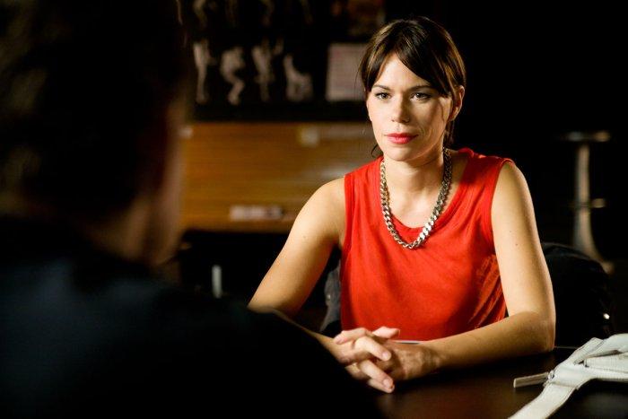 Mathilde (Rita Lengyel) ist Martins Freundin und Managerin