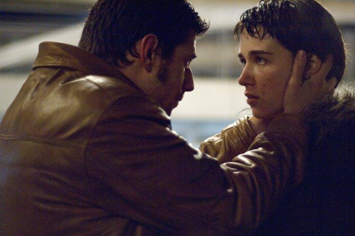 Sokol (Alban Ukaj) setzt seine Freundin unter Druck