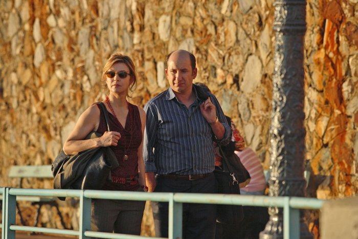 Das Paar genießt die mediterrane Sonne