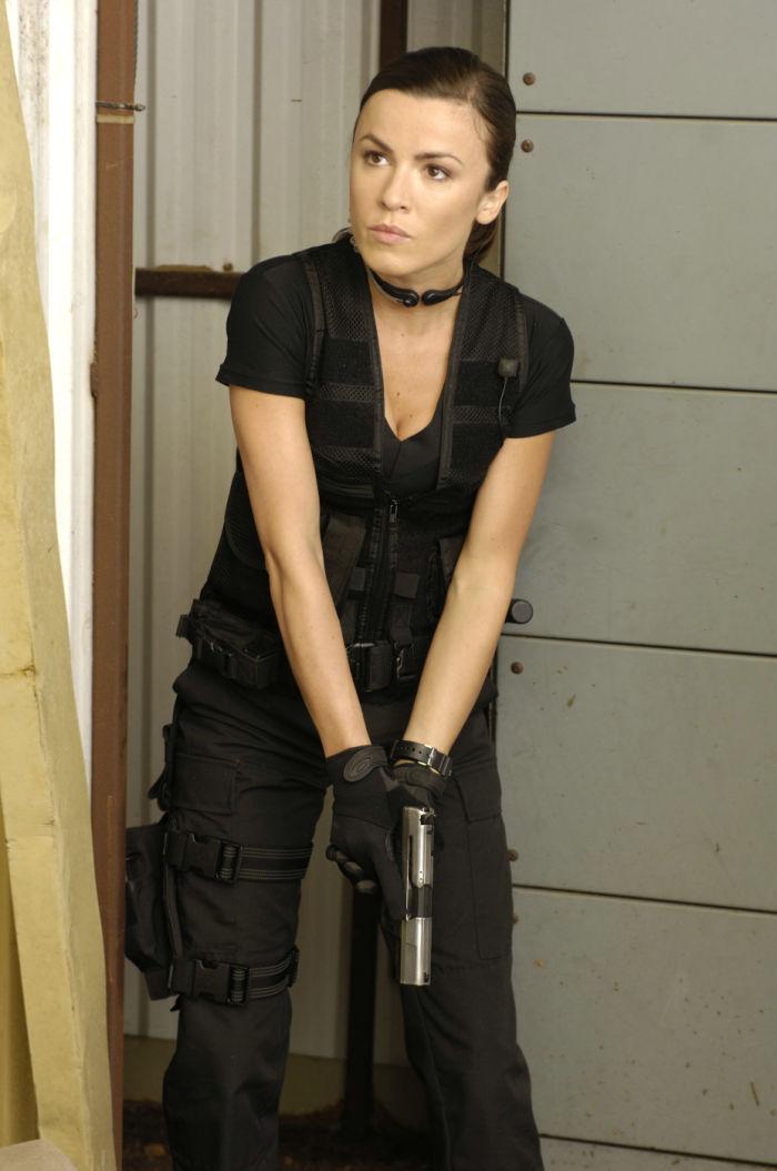Valerie (Emmanuelle Vaugier) ist gerüstet