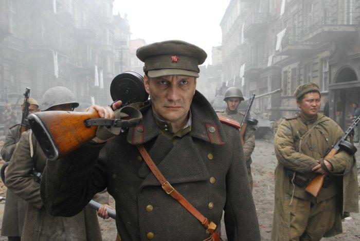 Besatzer: Offizier Andreij (Evgeny Sidikhin)