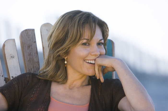 Diane Lane als Adrienne Willis