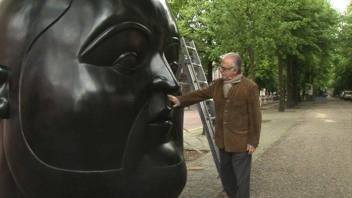 Botero vor einem seiner Werke