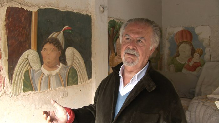 Religiöse, farbenfrohe Wandmalereien